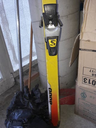 Esquís Salomon y Dynamic con bolsa