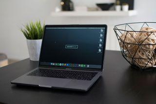 Macbook Pro 13'' 16GB RAM i7 512GB SSD