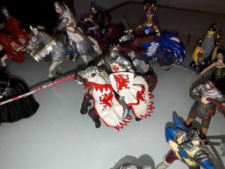 muñecos, guerreros medievales