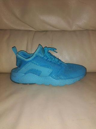 Nike 41 Huarache Pieza Mano Por Talla 65 Segunda De Una rrCwqX