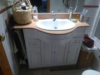 Mueble y encimera de baño
