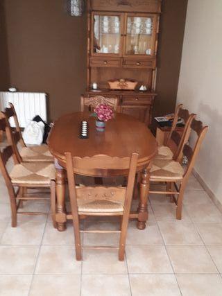 Mesa de salón y 6 sillas de Mogart