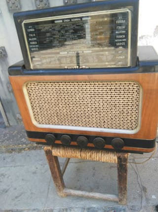 antigua radio de valvulas