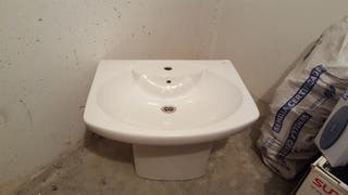 lavabo colgado sin estrenar