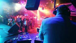 Sesiones DJ para fiestas y eventos