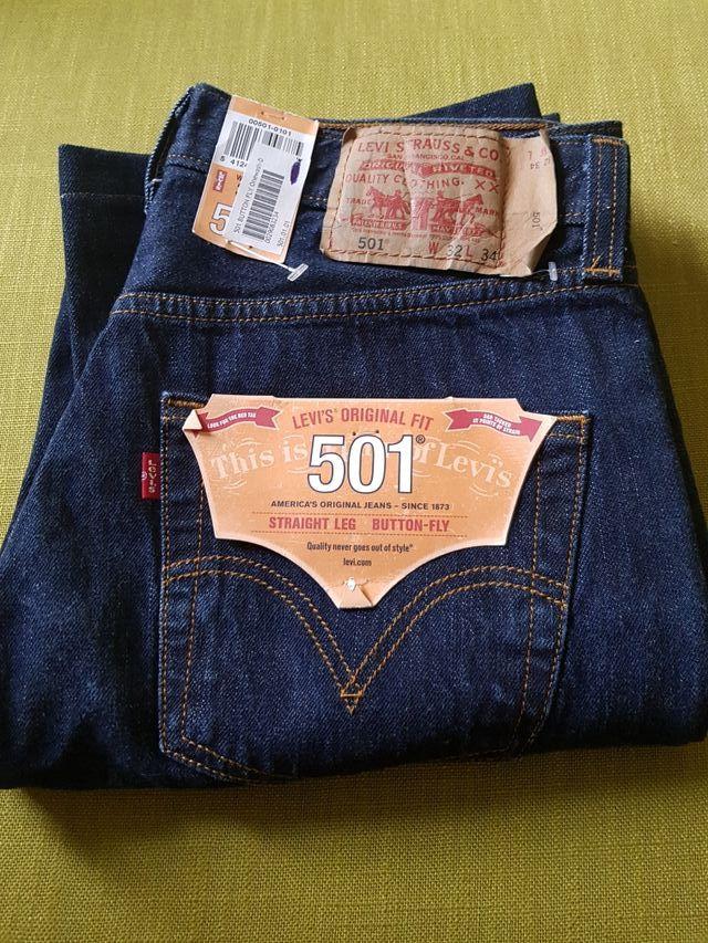 94843e4b0d6 Pantalones levis 501 talla 32 34 azules oscuros de segunda mano por ...