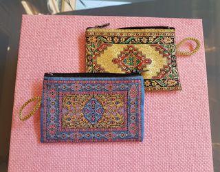 Monederos hindú coloridos