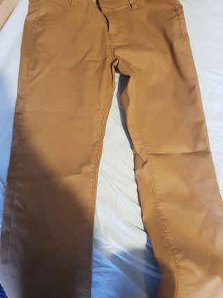 pantalón de Stradivarius