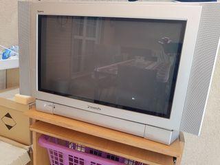 """Television Panasonic de 28""""de tubo"""