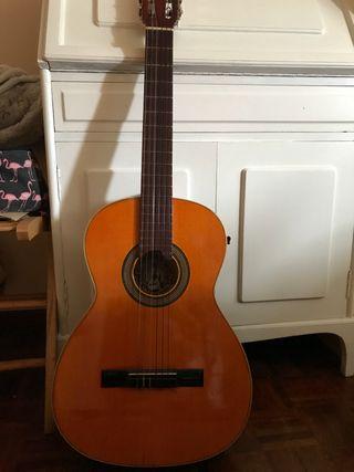 Guitarra española TATAY tomás.