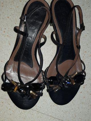 Zandalias piel negras Lola Cruz 36