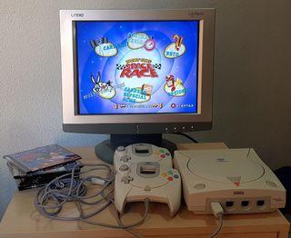 Dreamcast con juegos y Monitor TFT