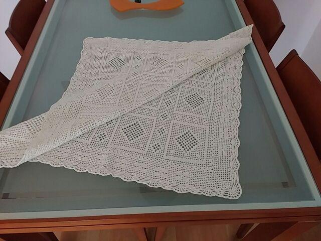 tapete cuadrado hecho a mano