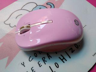 Ratón inalámbrico HP rosa y alfombrilla