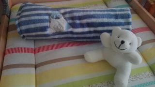 Mantita bebe + regalo baberos