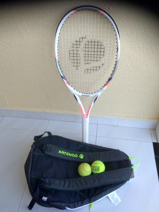 Raqueta tenis y mochila juvenil