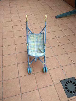 silla de muñecas