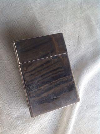 Caja de acero cromado decorativa