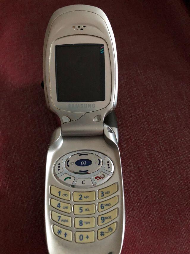 Movil Samsung SGH-E310 con todo