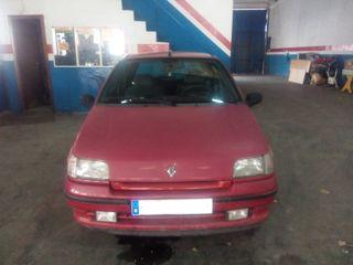 Vendo Renault Clio 1.4 RT Automático
