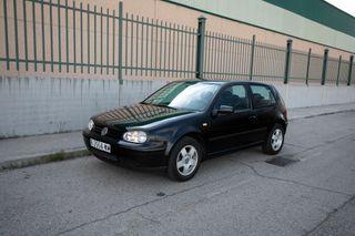 Volkswagen Golf muy pocos kms y garantía
