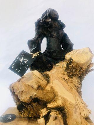Escultura Menina Swarovski negra (Kurt218)