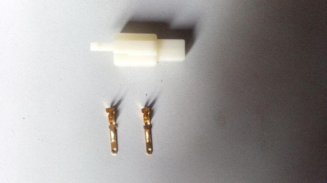 Conector piña 2 pin patinete bicicleta eléctrica