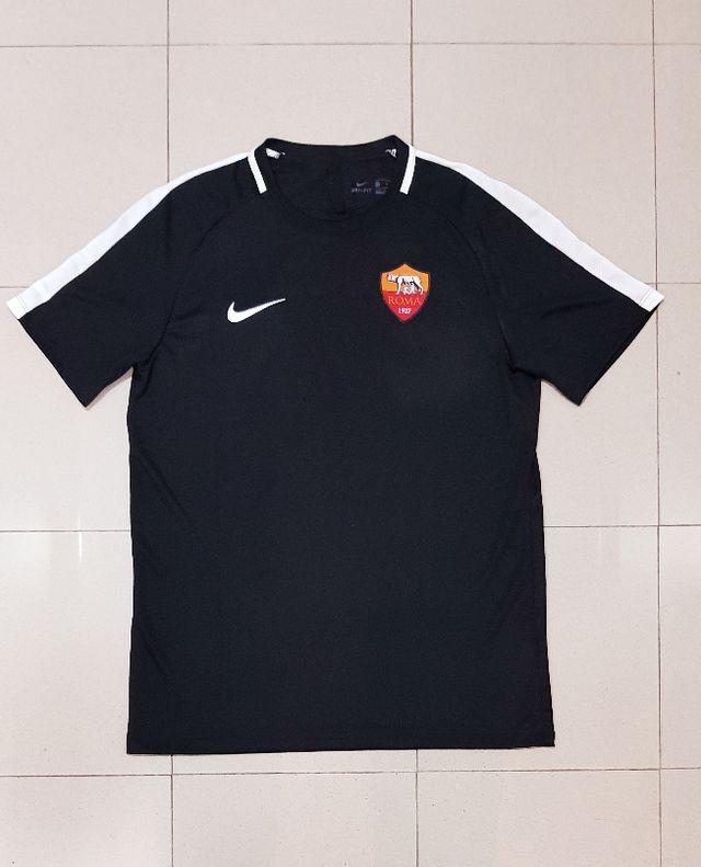 Camiseta AS Roma 17 18 de segunda mano por 30 € en L Hospitalet de ... 9bd5febe57b35