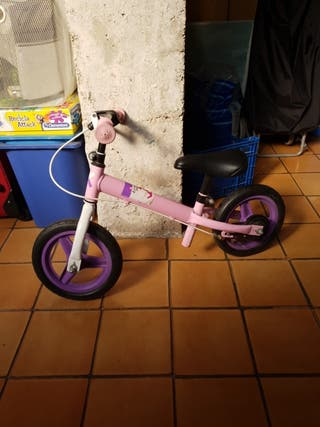 bici sin ruedas niña