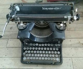 máquina de escribir hispano olivetti antigua