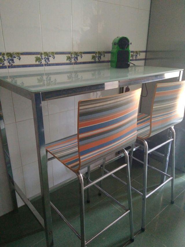 Mesa de cocina tipo barra de segunda mano por 150 € en Tarragona en ...