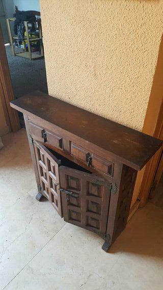 Mueble castellano vintage, para entrada.