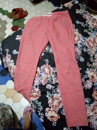 pantalones estampado leopardo color salmón