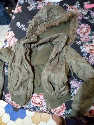 abrigo lefties verde caqui con gorri