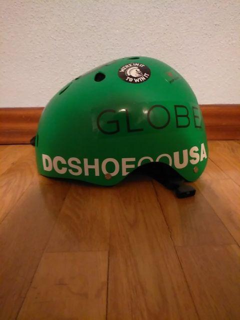 casco de skate profesional de dc
