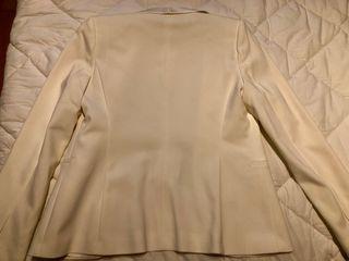 Chaqueta entallada nueva de Zara ropa mujer T.M de segunda