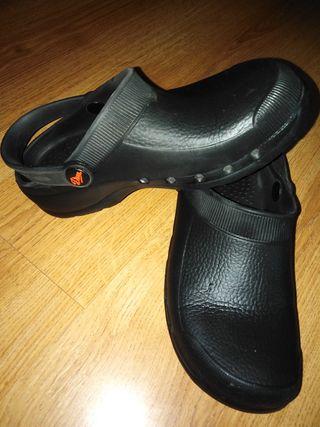 Calzado antideslizante hosteleria