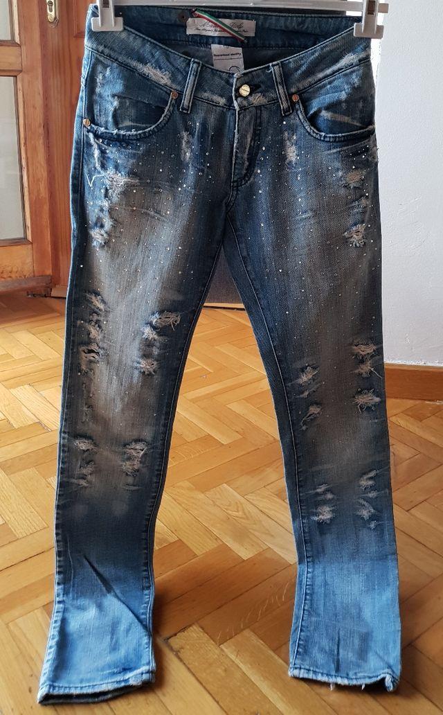 448b3e1a46 Pantalón Met mujer de segunda mano por 15 € en Móstoles en WALLAPOP
