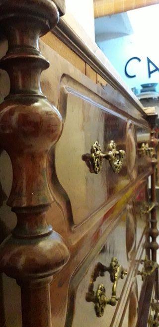Cómoda vintage con encimera de marmol