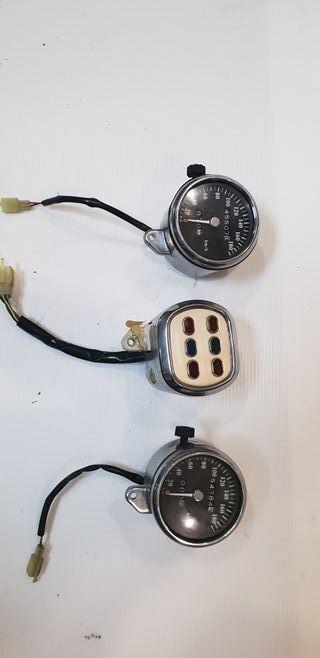 Kawasaki Vulcan 500, relojes, luces