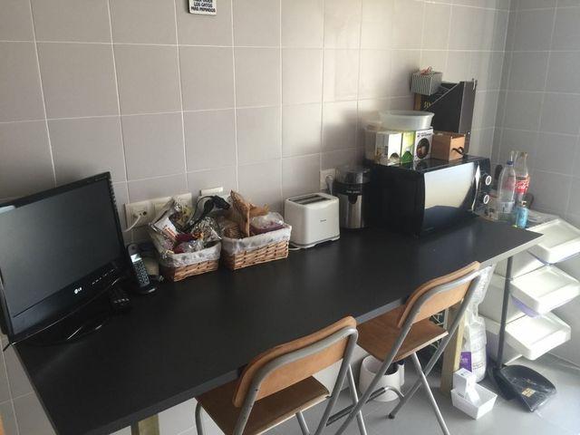 URGE Encimera/mesa alta cocina.NO ENVIO de segunda mano por 70 € en ...
