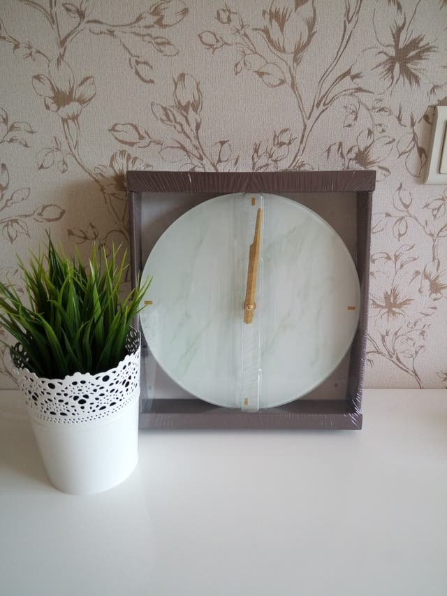 Marble wall clock.