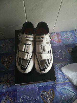 zapatillas de ciclismo Shimano r170 blancas