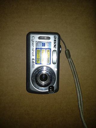 Camara Sony Cyber-shot DSC-S600