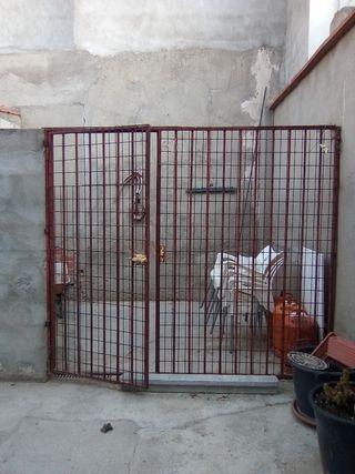 reja pared con puerta