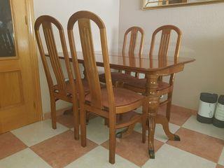 Mesa libro de salón y sillas