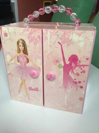 caja de barbie