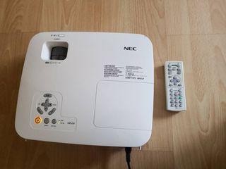 Vendo proyector NEC NP610 casi sin uso