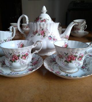 Rebajado!Juego de té Royal Albert Nuevo