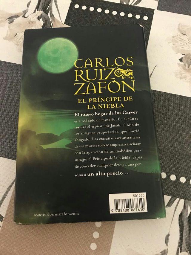 Libro Carlos Ruiz Zafón de segunda mano por 5 € en Toledo en WALLAPOP